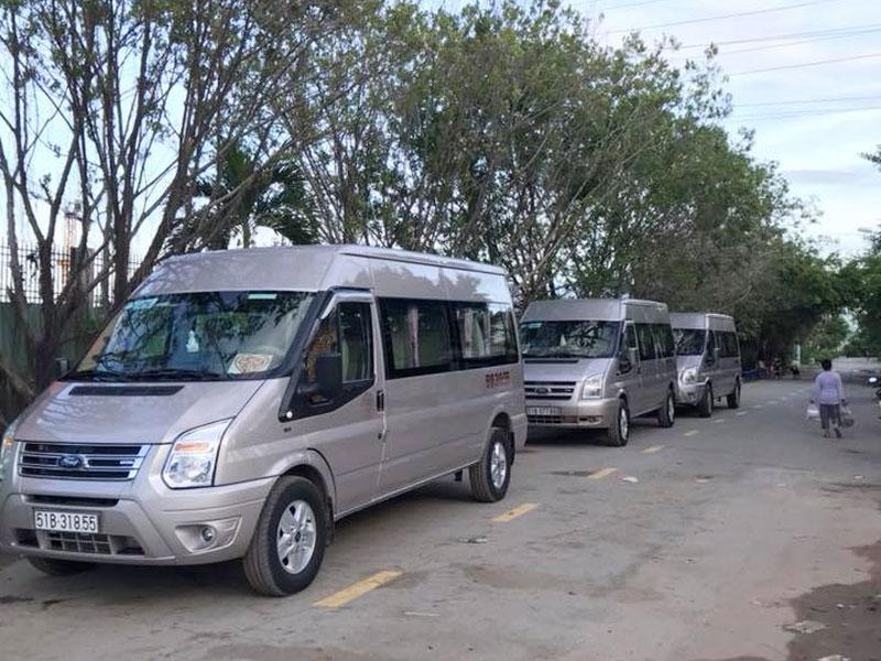 Cho thuê xe du lịch 16 chỗ đưa đón công nhân về quê ăn tết